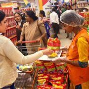 Amazon va a más: compra cerca de 550 tiendas en la India
