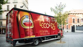 Heineken estrena en Madrid su camión híbrido de reparto
