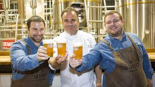 La Fábrica Cruzcampo lanza una nueva cerveza con sabor a mar