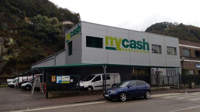 MyCash y Spar inauguran nuevos supermercados