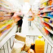 Carrefour y Dia lideran la inversión publicitaria de los supermercados en España