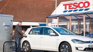 Tesco ofrecerá la mayor red de carga de vehículos eléctricos de Reino Unido