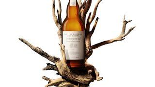 Damm lanza una cerveza especial madurada con madera