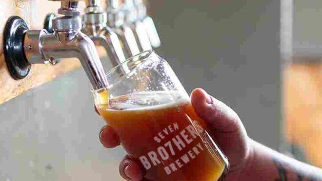 Cerveza de Corn Flakes, original, sostenible y solidaria
