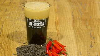 La Fábrica Cruzcampo lanza 30 variedades en su primer año