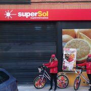 Supersol de la calle Marqués de Jura Real en Madrid