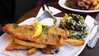 ¿Fish and chips sin pescado? El boom vegano llega al plato más británico