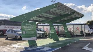 Alcampo se enchufa al coche eléctrico