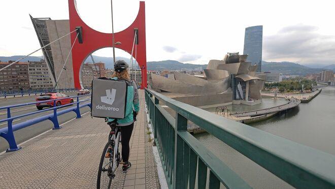 Deliveroo alcanza los 1.500 'riders' en toda España
