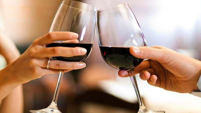 Así puedes 'enamorar' con vino en San Valentín