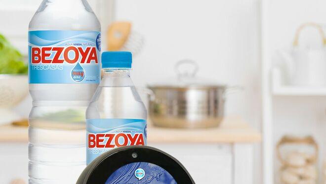Bezoya y Alexa se alían para 'enseñarnos' a beber bien