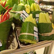 La solución contra el plástico: envolver los alimentos en... hojas de plátano