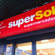 Alcampo negocia la compra de 42 establecimientos de Supersol