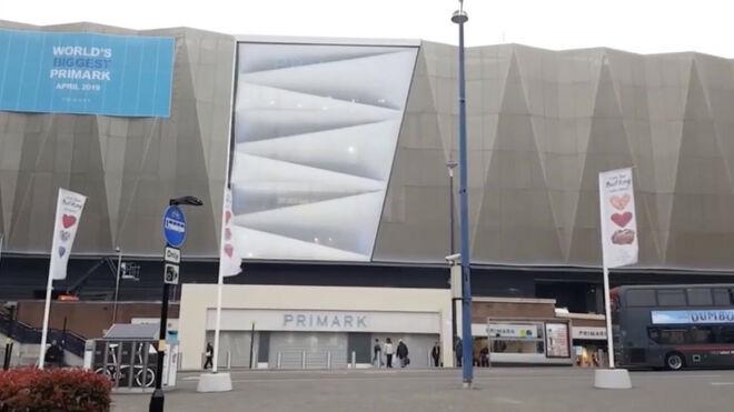 Primark se reinventa como centro comercial 'total'