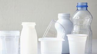 El sector del plástico se defiende ante la 'oleada ecologista'