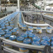 Nestlé invierte 8 millones en su fábrica asturiana