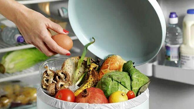 Los españoles tiran a la basura el 25% de la comida