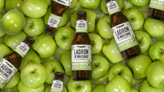 Ladrón de Manzanas vuelve a revolucionar el corral, ahora con manzana verde