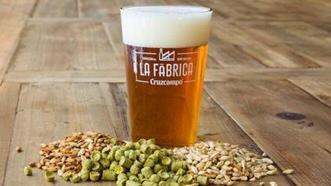 La Fábrica Cruzcampo lanza sus cervezas de primavera