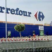 Empleados de seguridad privada protestan ante Carrefour