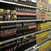 El cierre de la hostelería desploma la venta de bebidas y perfumería