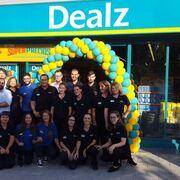 Dealz amplía su negocio en Alicante con un nuevo súper