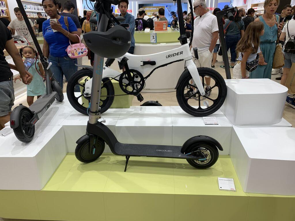Bicicleta y patinete eléctricos