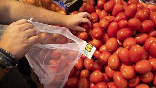 Lidl prueba una bolsa de malla contra el uso del plástico