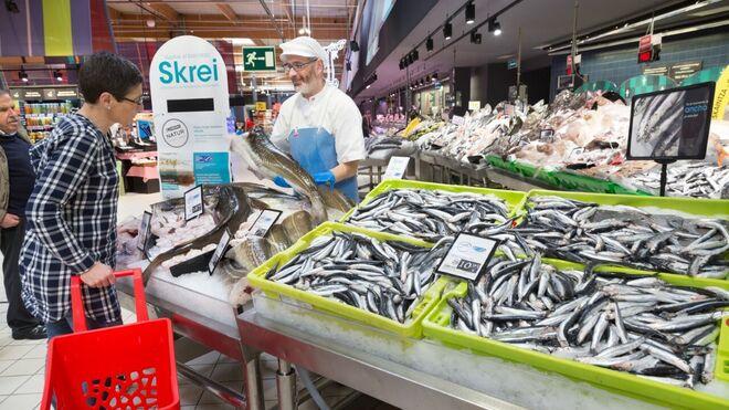 Eroski avanza en la compra de pescado certificado