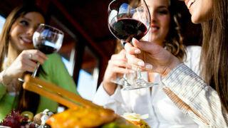 Estos son los momentos preferidos por los españoles para consumir vino