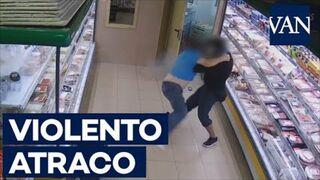 Violento atraco en un supermercado de Barcelona