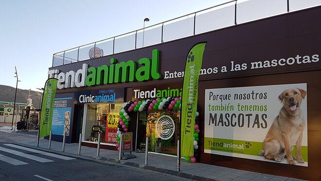 La familia peruana Mulder (Kiwoko) compra Tiendanimal y crea un gigante de las mascotas
