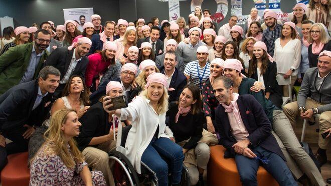 El retail y las marcas se 'visten' de rosa contra el cáncer de mama
