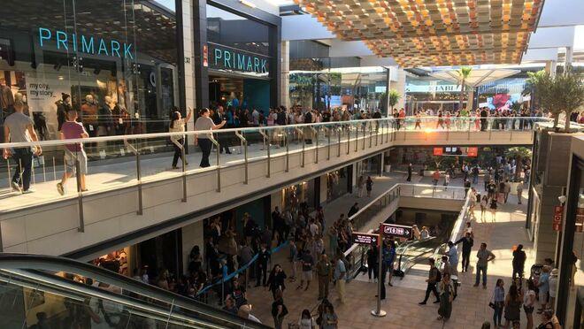 La restauración y el delivery reinventan el centro comercial