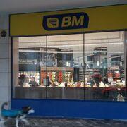 Abre el primer BM Shop de Baracaldo (Vizcaya)
