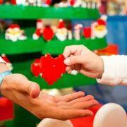 El Corte Inglés y Lego llevan 20.000 juguetes a los niños hospitalizados