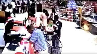 Pánico en un supermercado sudafricano por el intento de secuestro de un niño