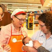 Consum amplía el permiso de paternidad a 14 semanas