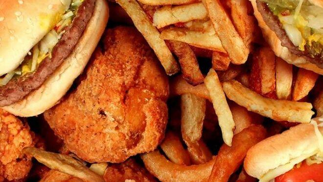 El nuevo Gobierno quiere subir el IVA de la 'comida basura'