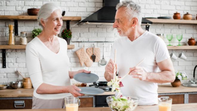 Los abuelos, los peor parados en la 'cuesta' de enero