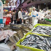Eroski incrementa su apuesta por el pescado sostenible