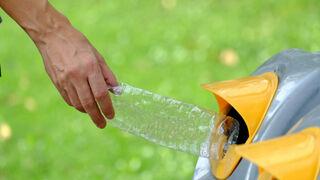8 de cada 10 españoles creen no reciclan tanto plástico como deberían
