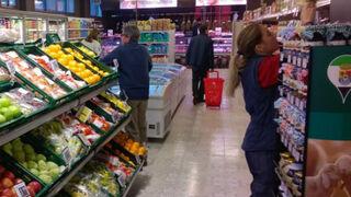 Interior de un supermercado franquiciado