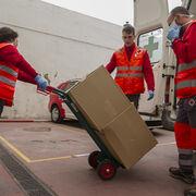 Lidl repartirá 100.000 kilos de comida a los mayores a través de Cruz Roja