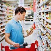 Coronavirus: los jóvenes hacen la compra por los mayores