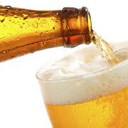 El alza de ventas de cerveza en el  súper no compensa la caída de la restauración