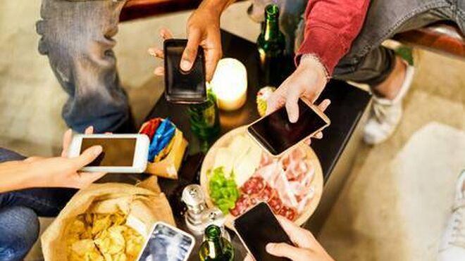 El nuevo aperitivo de los españoles incluye la videollamada