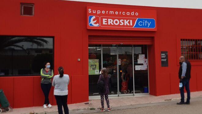 Eroski inaugura supermercados en Pedro Abad (Córdoba) y en Porreres (Mallorca)