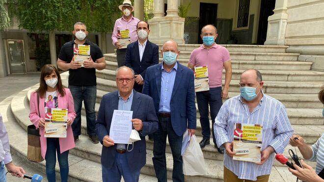 Los hosteleros entregan al Gobierno su manifiesto reivindicativo en 50 ciudades