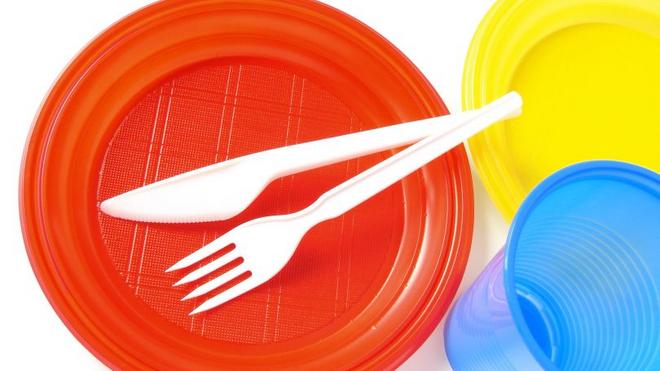 Nueva ley de residuos: adiós a las pajitas y bastoncillos de plástico